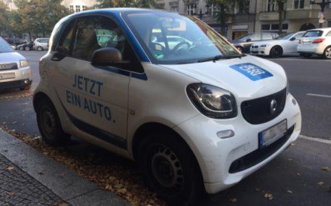 Lohnt sich das eigene Auto? Ein Carsharing Auto als Symbolbild